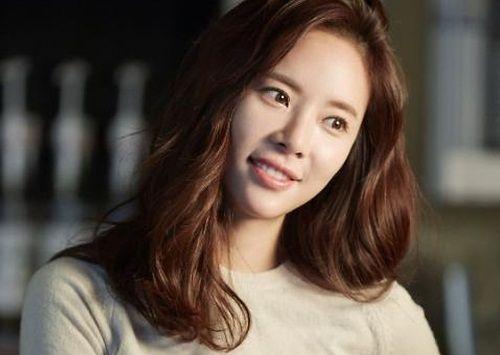 Foto Cantik Hwang Jung-eum 10