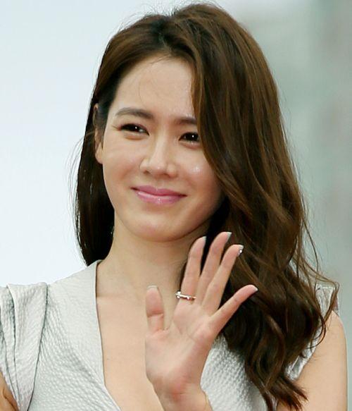 Foto Cantik Son Ye-jin 1