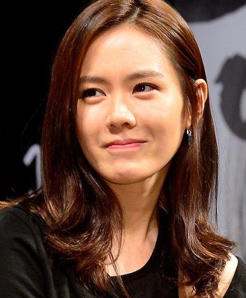 Foto Cantik Son Ye-jin 14