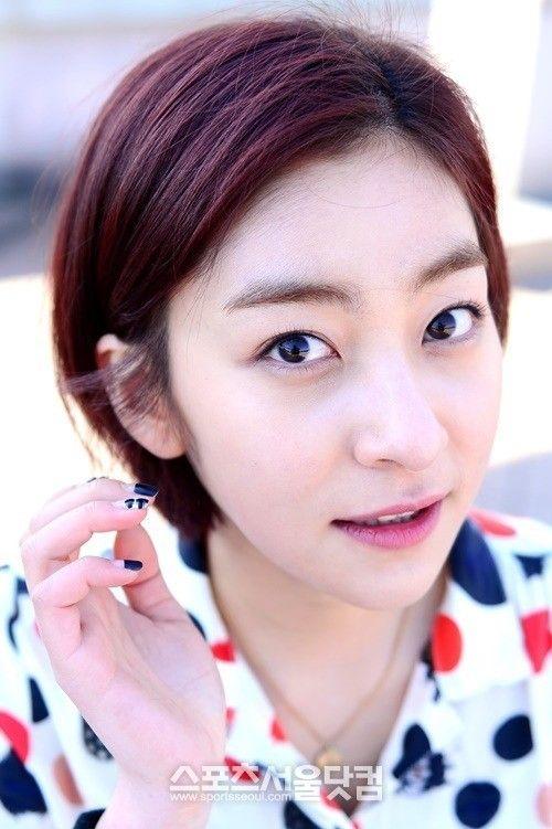 Foto Cantik Wang Ji-won 17