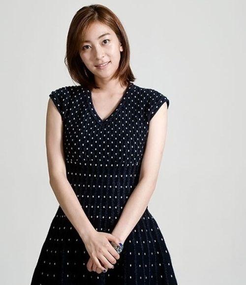 Foto Cantik Wang Ji-won 19