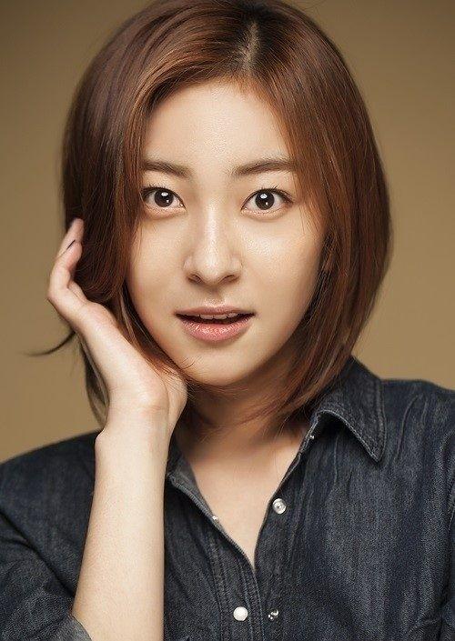 Foto Cantik Wang Ji-won 2