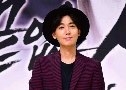 Foto Jung Kyung-ho Paling Cool 9