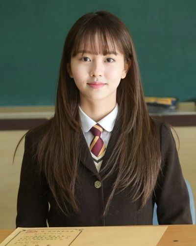 Foto Kim So-hyun dalam Who Are You School 2015