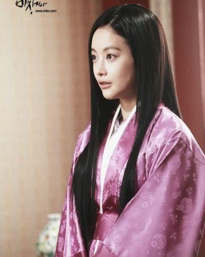 Foto Oh Yeon-seo dalam Shine or Go Crazy