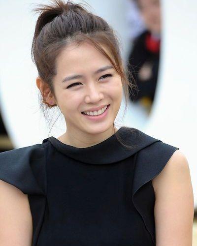 Foto Son Ye-jin
