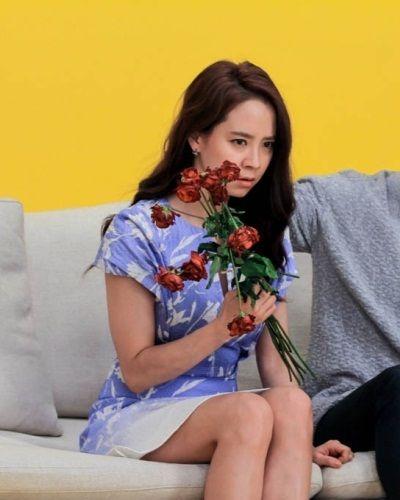 Foto Song Ji-hyo dalam Ex-Girlfriend Club