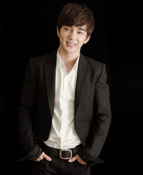Foto Tampan Yoo Seung-ho 11