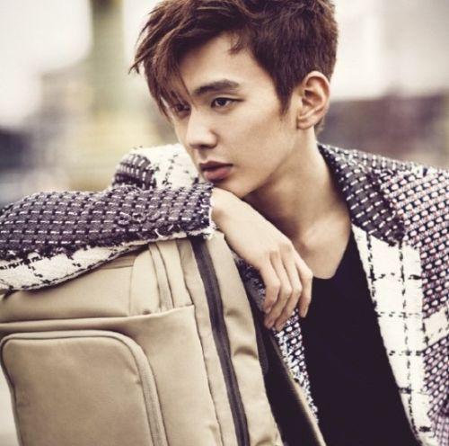 Foto Tampan Yoo Seung-ho 15