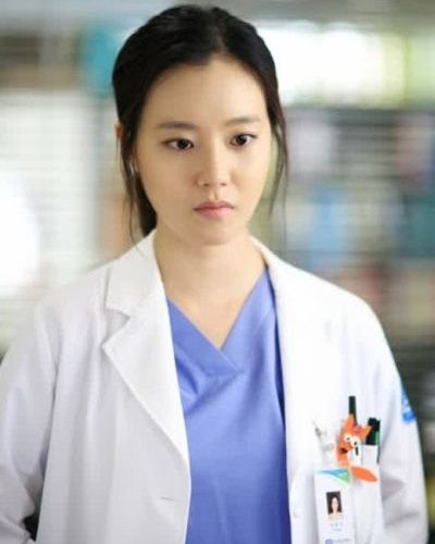 Foto Moon Chae-won dalam Good Doctor