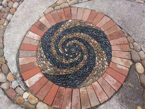 Desain Batu dan Bata Mozaik dan Spiral 10