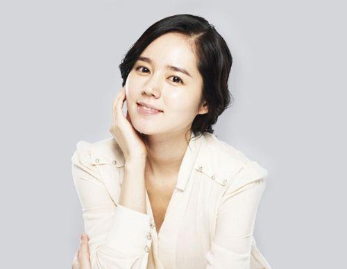 Foto Han Ga-in yang Cantik dan Imut 11