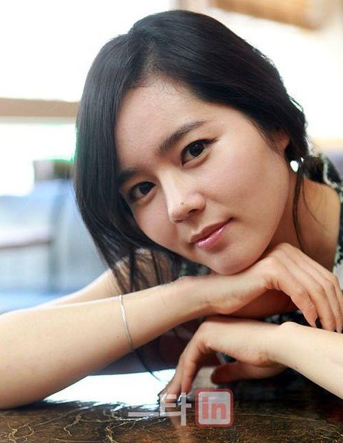 Foto Han Ga-in yang Cantik dan Imut 12