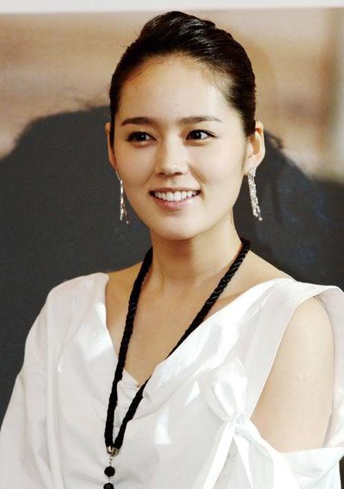Foto Han Ga-in yang Cantik dan Imut 17
