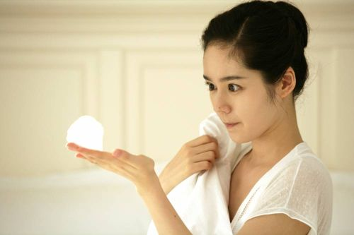 Foto Han Ga-in yang Cantik dan Imut 20