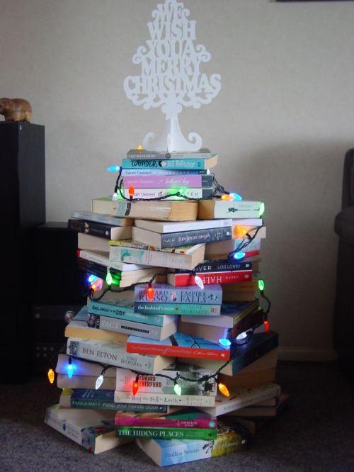 Foto Ide Desain Pohon Natal Paling Kreatif, Indah, dan Lucu 16