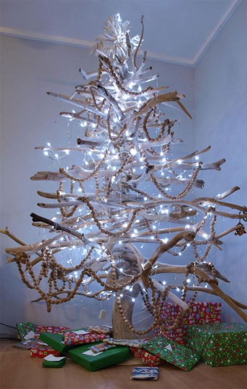 Foto Ide Desain Pohon Natal Paling Kreatif, Indah, dan Lucu 21