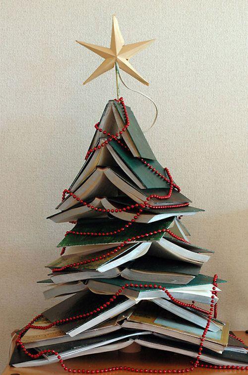 Foto Ide Desain Pohon Natal Paling Kreatif, Indah, dan Lucu 35