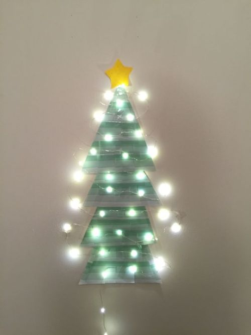 Foto Ide Desain Pohon Natal Paling Kreatif, Indah, dan Lucu 39