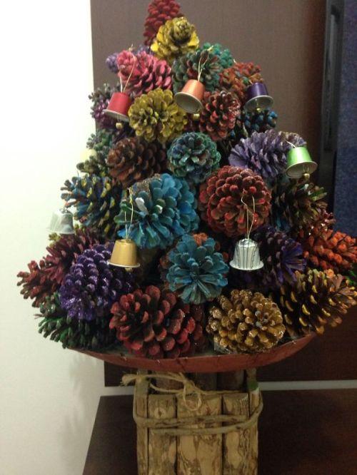 Foto Ide Desain Pohon Natal Paling Kreatif, Indah, dan Lucu 42