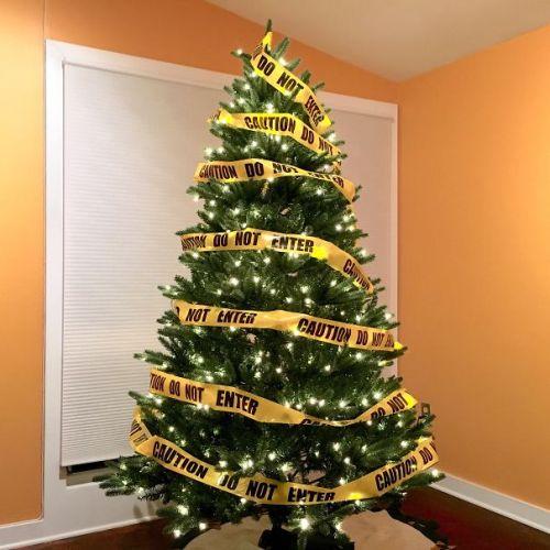 Foto Ide Desain Pohon Natal Paling Kreatif, Indah, dan Lucu 44
