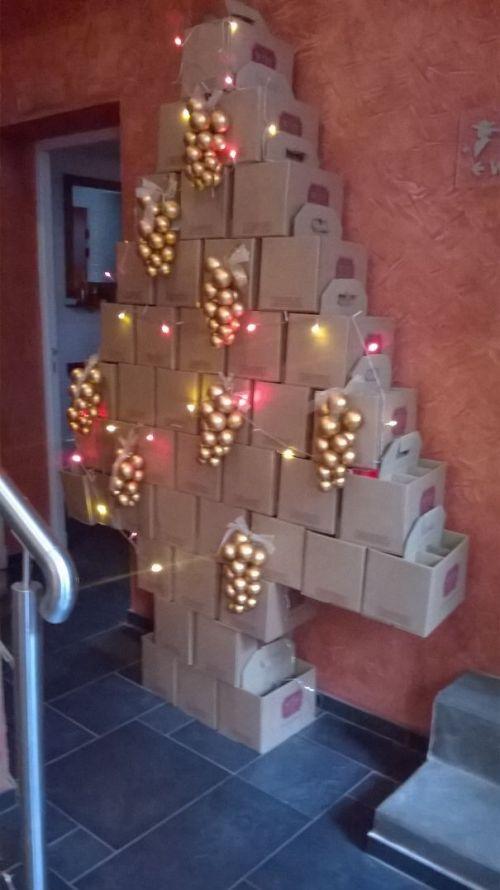 Foto Ide Desain Pohon Natal Paling Kreatif, Indah, dan Lucu 45