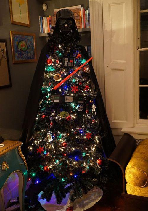 Foto Ide Desain Pohon Natal Paling Kreatif, Indah, dan Lucu 5
