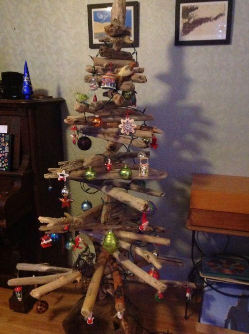 Foto Ide Desain Pohon Natal Paling Kreatif, Indah, dan Lucu 51