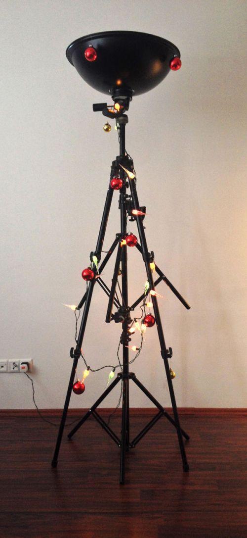 Foto Ide Desain Pohon Natal Paling Kreatif, Indah, dan Lucu 55