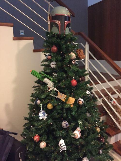 Foto Ide Desain Pohon Natal Paling Kreatif, Indah, dan Lucu 65