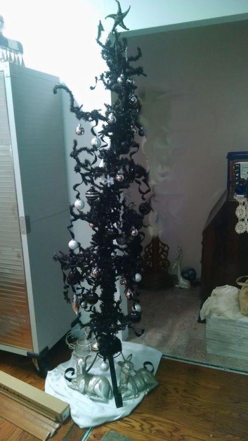 Foto Ide Desain Pohon Natal Paling Kreatif, Indah, dan Lucu 68