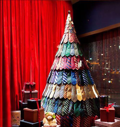 Foto Ide Desain Pohon Natal Paling Kreatif, Indah, dan Lucu 7