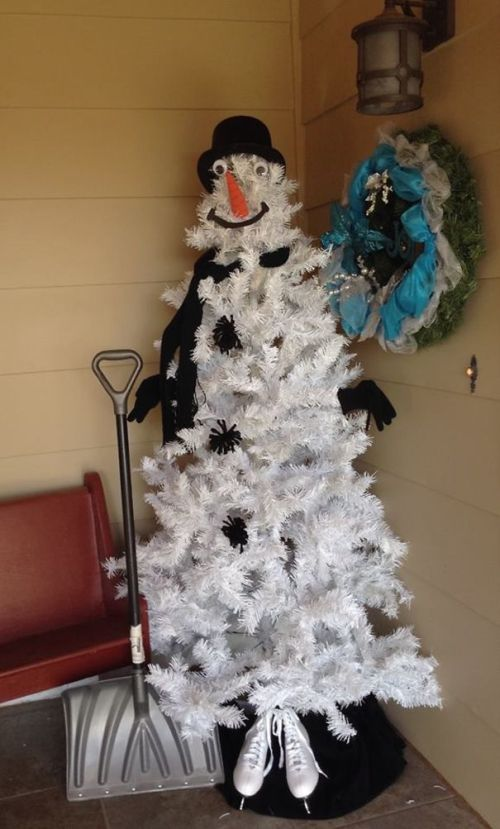 Foto Ide Desain Pohon Natal Paling Kreatif, Indah, dan Lucu 73