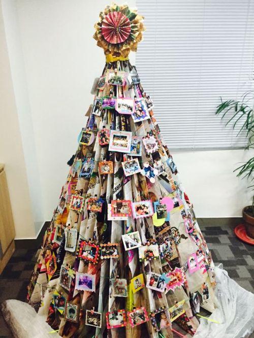 Foto Ide Desain Pohon Natal Paling Kreatif, Indah, dan Lucu 74