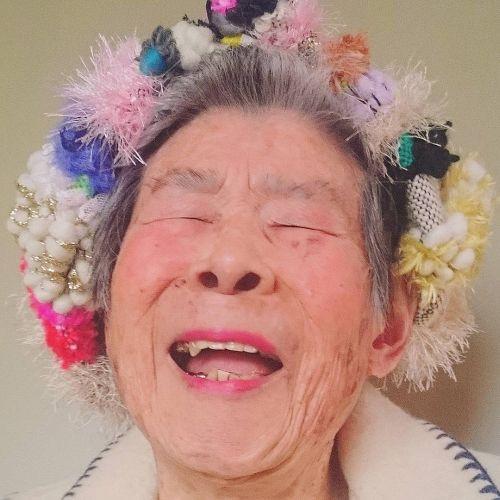 Foto Nenek 93 Tahun Model Instagram 12