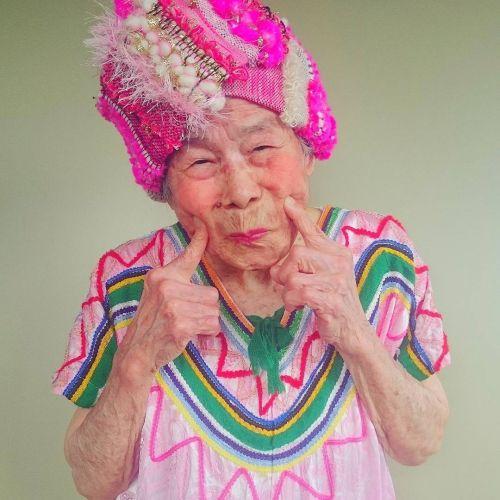 Foto Nenek 93 Tahun Model Instagram 2
