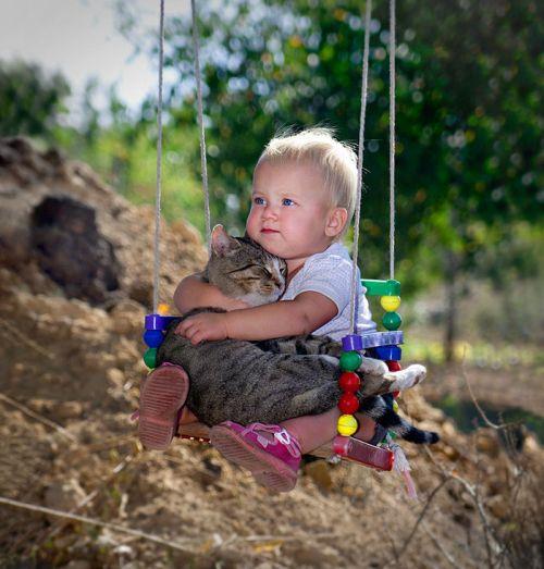 Foto Tentang Persahabatan Anak dan Hewan Peliharaan 3