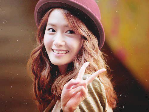 Foto Yoona Tersenyum 10