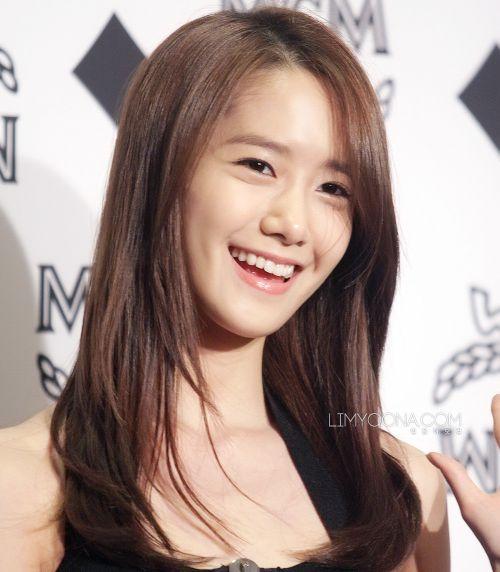 Foto Yoona Tersenyum 6