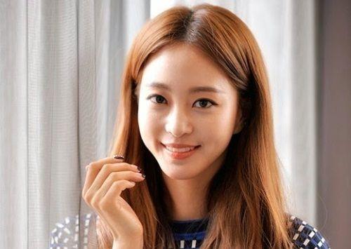 Han Ye Seul Aktris Korea yang Manis 1