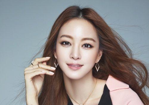 Han Ye Seul Aktris Korea yang Manis 4