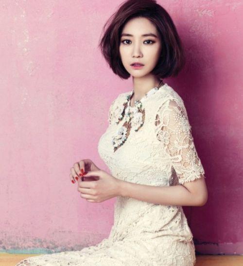 Foto Cantik Go Joon-hee 6