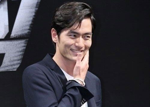 Foto Lee Jin-wook 4
