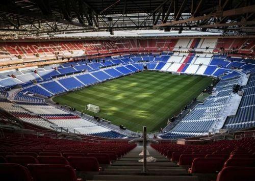 Foto Stadion Parc Olympique Lyonnais 4