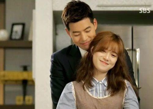 Park Dong-joo dan Yoon Soo-wan (Angel Eyes) 1
