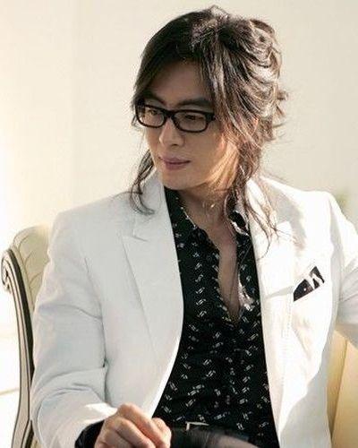 Bae Yong-joon Gondrong