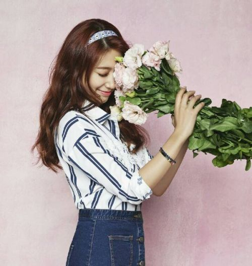 Foto Cantik Park Shin-hye Terbaru Tahun 2016 49