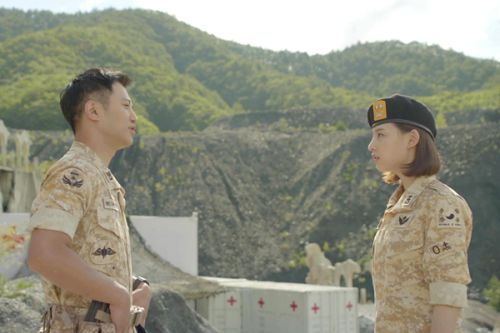 Foto Adegan Drama Descendants of the Sun 10