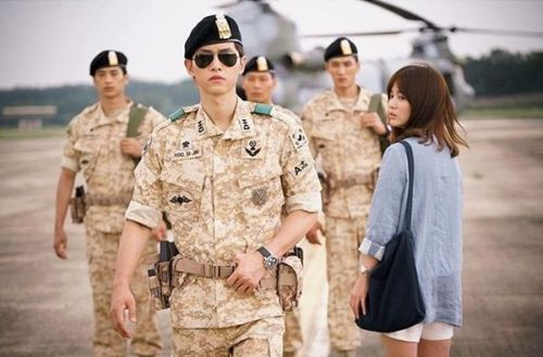 Foto Adegan Drama Descendants of the Sun 2