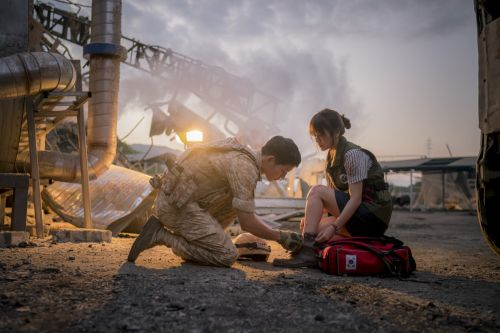 Foto Adegan Drama Descendants of the Sun 9